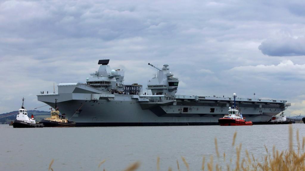 Bálnák helyett hadihajók veszik birtokukba a skóciai tengeröbölt