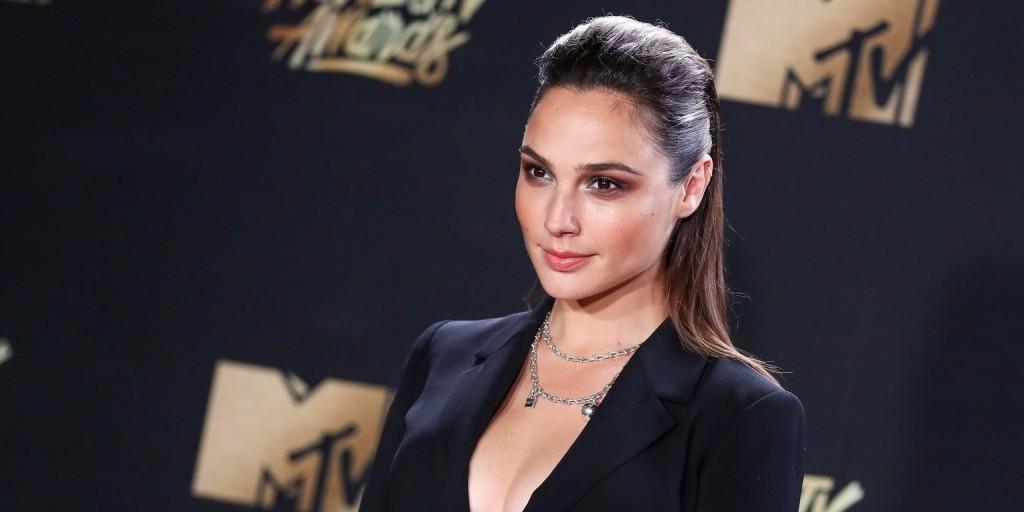 Igazi természetes szépség: Wonder Woman smink nélkül is lehengerlő
