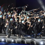 Budapest, 2017. július 14.<br /> Táncosok a 17. vizes világbajnokság megnyitóján tartott összművészeti előadáson a Lánchíd pesti hídfőjénél, a Duna vizén kialakított alkalmi színpadon 2017. július 14-én.<br /> MTI Fotó: Koszticsák Szilárd