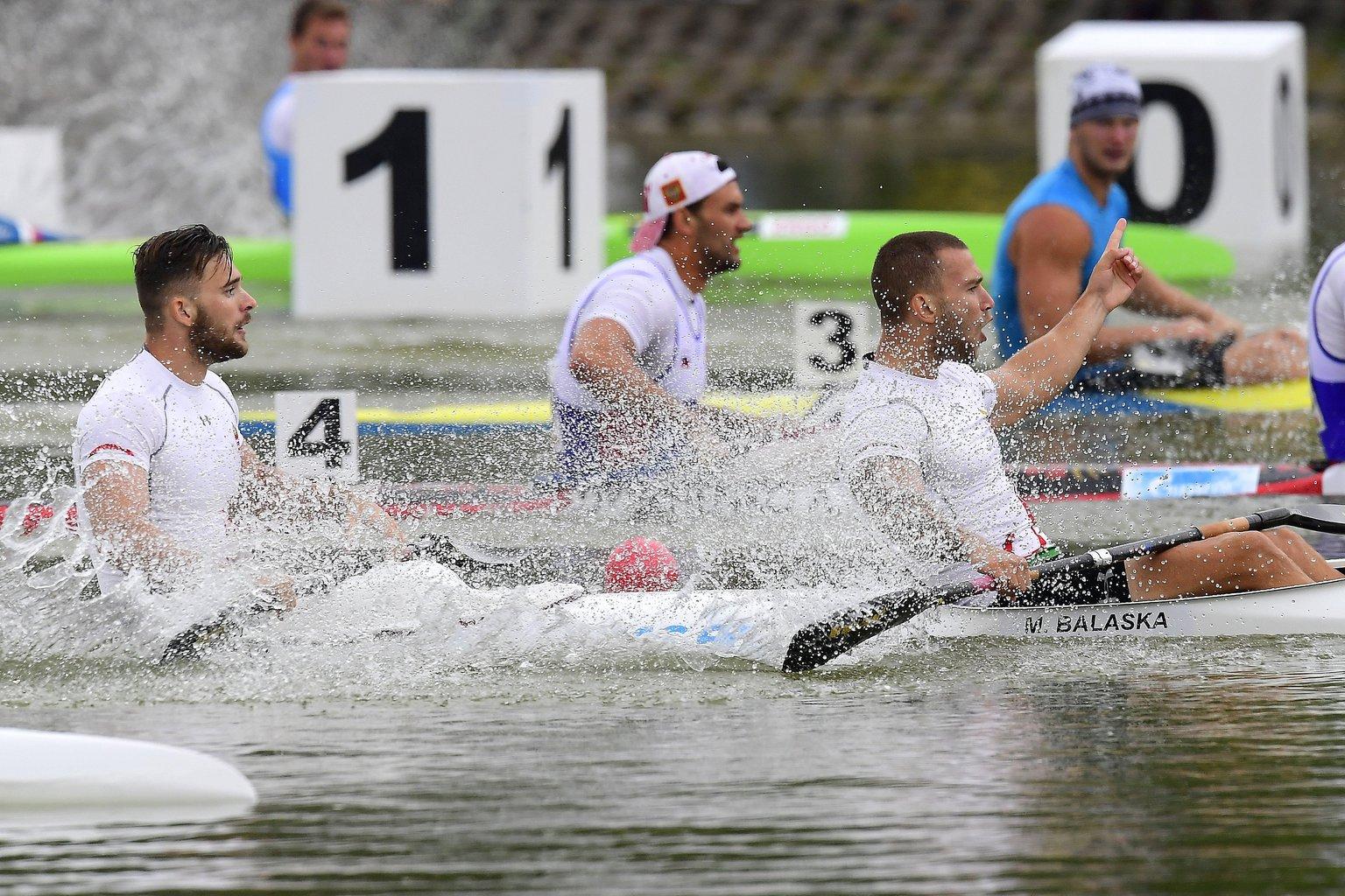 Balaska Márk (elöl) és Birkás Balázs elsőként ért célba a férfi kajak kettesek 200 méteres döntőjében a plovdivi kajak-kenu Európa-bajnokságon 2017. július 16-án (MTI Fotó: Kovács Tamás)