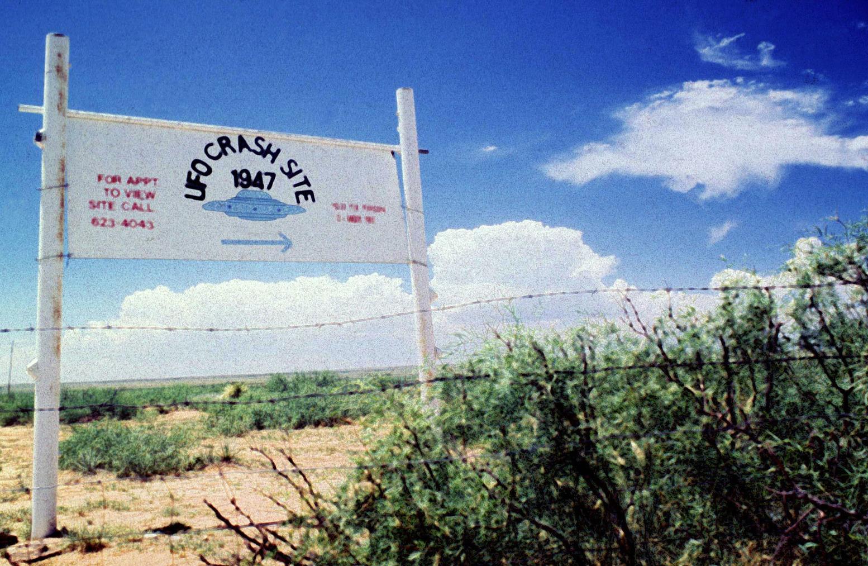 A 285-ös úton, Roswell északi részén, a Corn Ranch közelében, ahol állítólag becsapódott 1947-ben egy repülő csészealj.