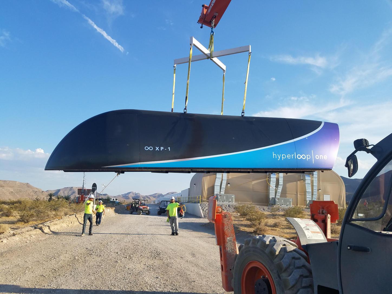 A Hyperloop One kapszula első prototípusa július 12-én. (Fotó: AFP)
