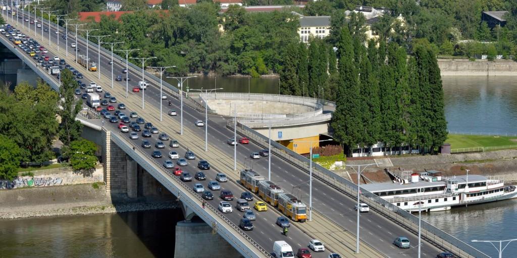 Forgalomkorlátozások az Árpád hídi metróállomás környezetében