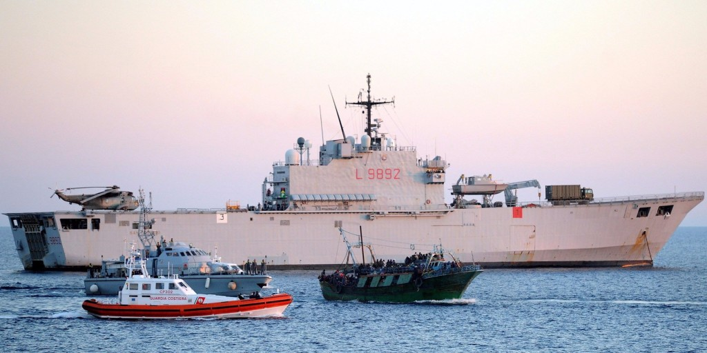 Lefoglaltak egy spanyol NGO-hajót az olasz hatóságok