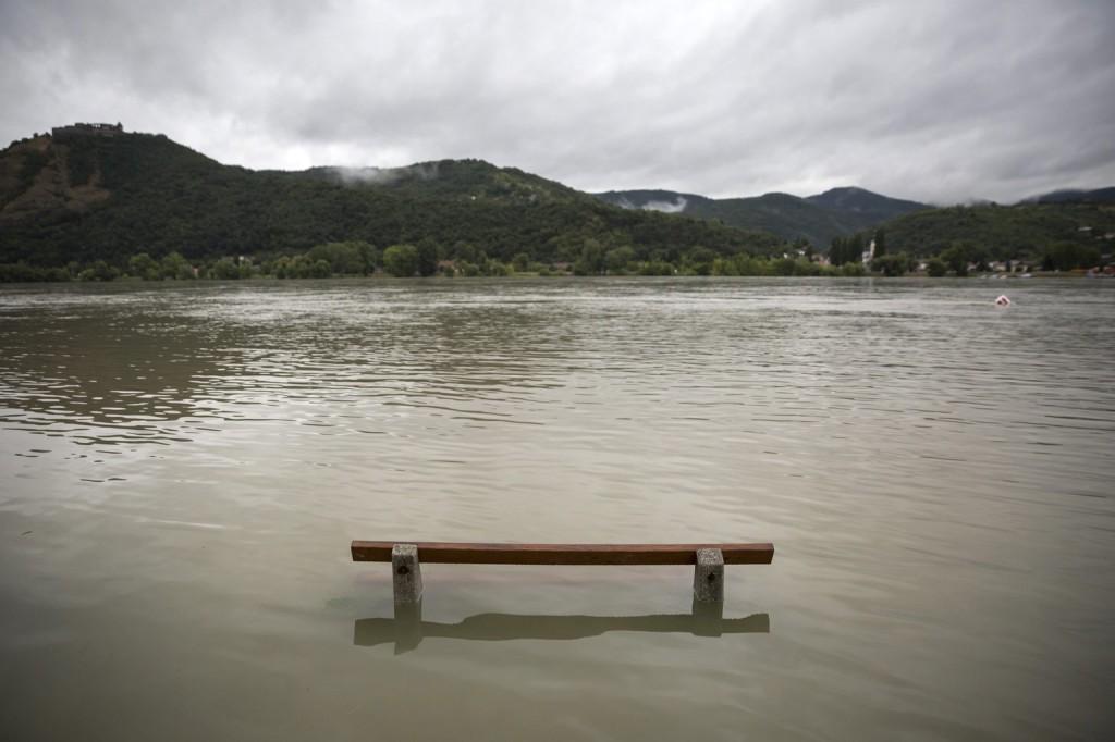 Több folyón van árhullám, de lakott területeket nem veszélyeztet