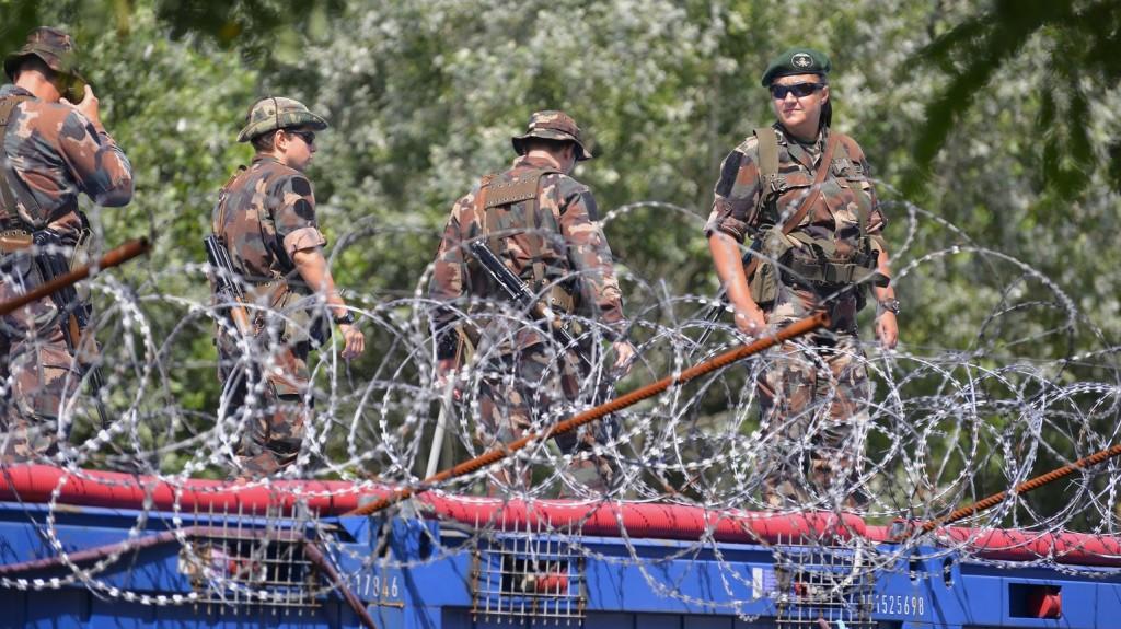 Szerb embercsempészek ellen emeltek vádat Szegeden