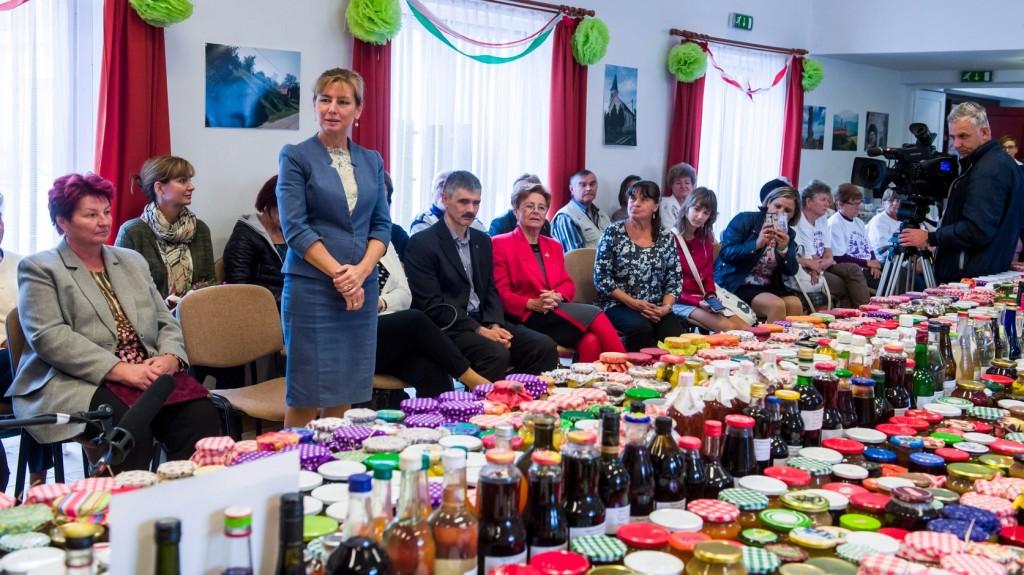 Nagycsaládosokat segítenek a nógrádi nyugdíjasok