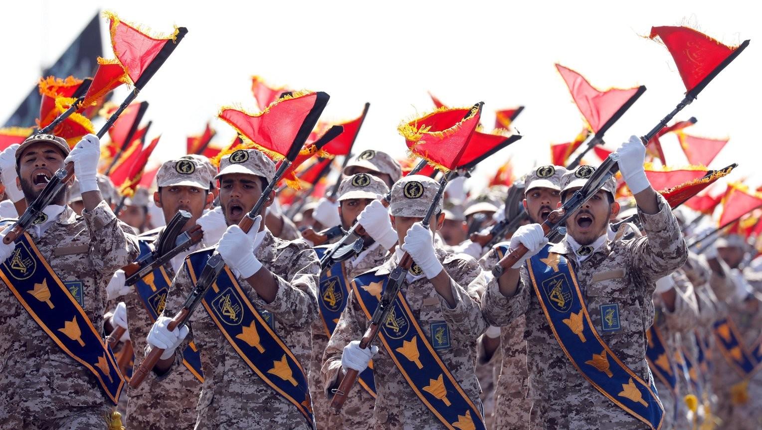 Több robbanófejes ballisztikus rakétát lőtt ki Irán