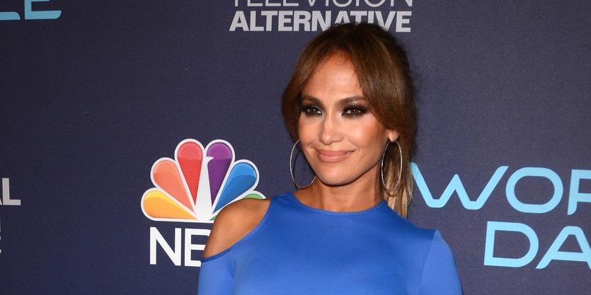 Jennifer Lopez lemondott fizetéséről, hogy a hurrikán sújtotta Puerto Ricón segítsen