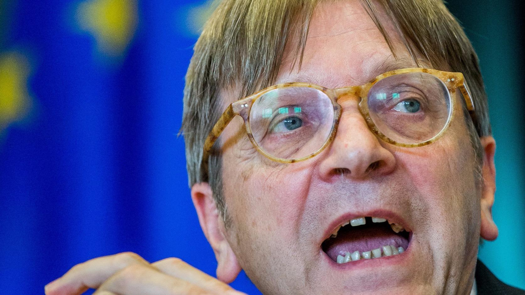 Guy Verhofstadt az EP liberális frakcióvezetője. MTI/EPA Fotó