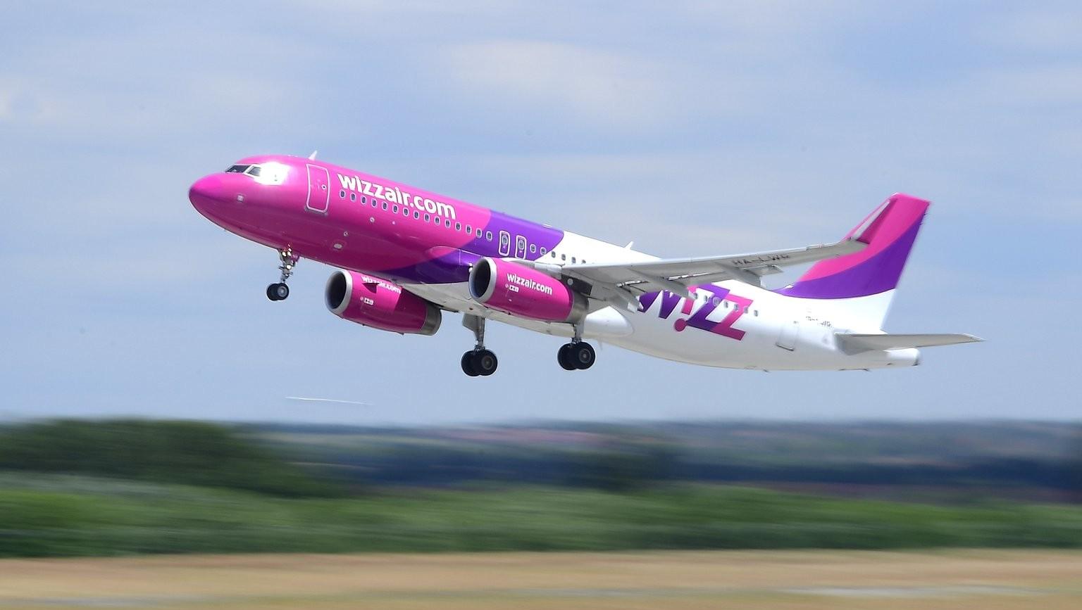 Felszáll a Wizz Air diszkont légitársaság első járata a Liszt Ferenc-repülőtérről Kazahsztán fővárosába, Asztanába 2017. június 8-án (MTI Fotó: Kovács Tamás)