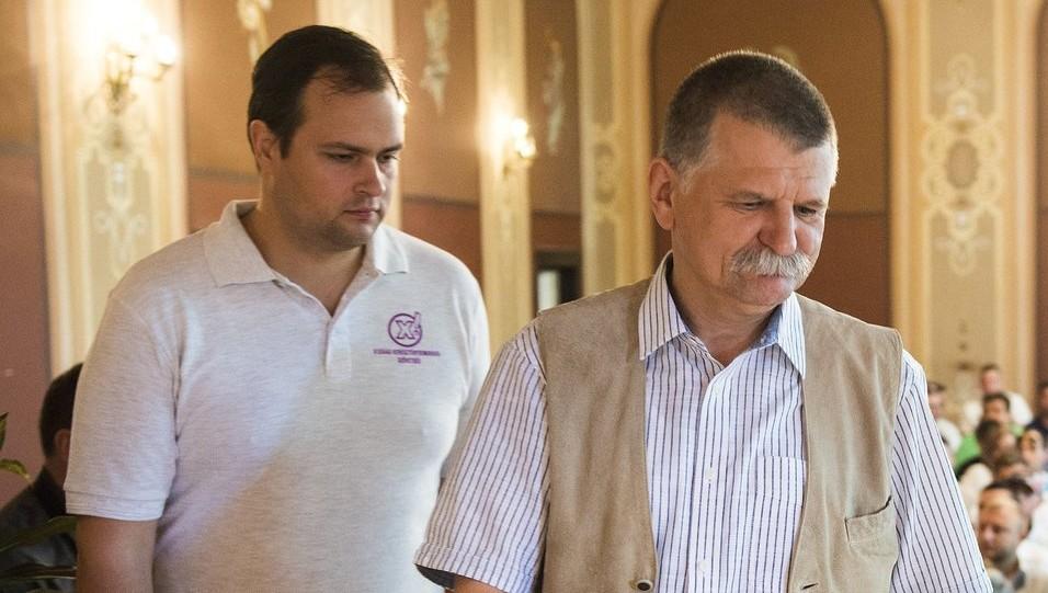 Kövér László, az Országgyűlés elnöke és Nacsa Lőrinc, az IKSZ elnöke (MTI Fotó: Balázs Attila)