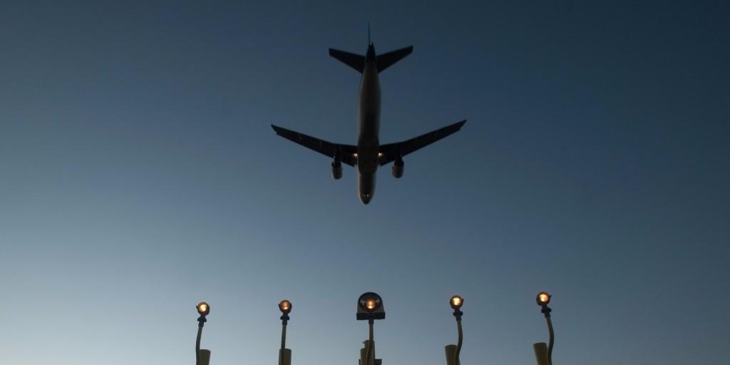 Felfüggesztették az összes járatot az amszterdami Schiphol repülőtéren