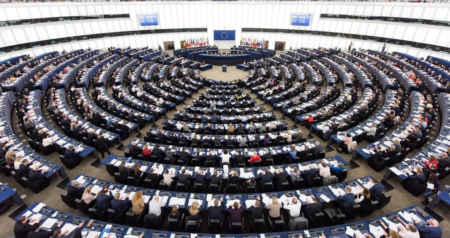 Szavaznak a képviselők az Európai Parlament strasbourgi üléstermében -  képünk illusztráció (Fotó: MTI/EPA/Patrick Seeger)