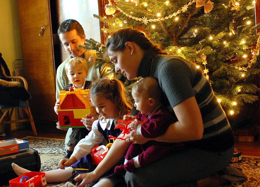 Idén sem kapcsolja le az áramot karácsony környékén az E.ON a hátralékosoknál