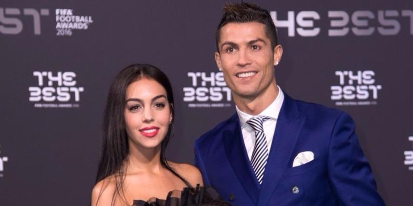 Cristiano Ronaldo a szülőszobából jelenti: immáron négyszeres apuka vagyok