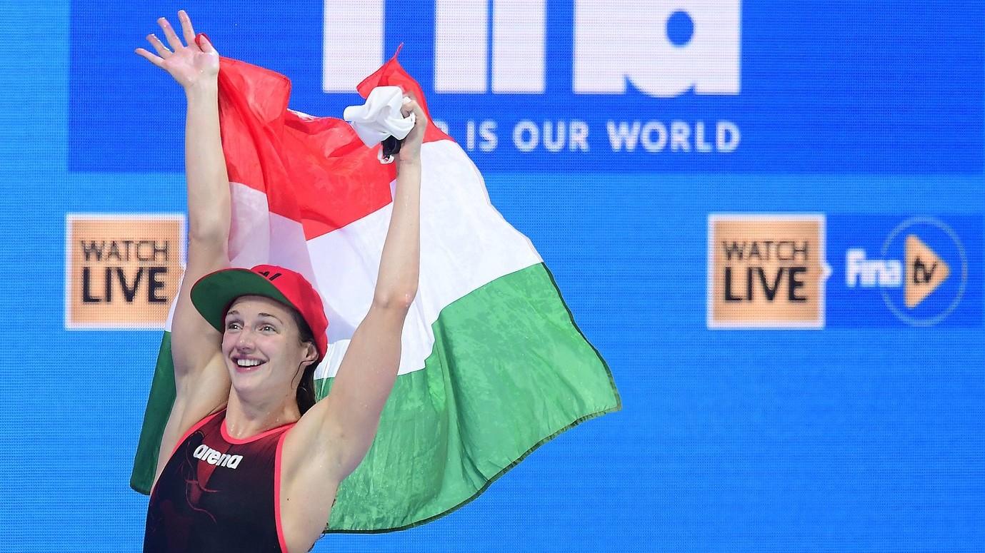 A győztes Hosszú Katinka a női 400 méteres vegyesúszás döntője után a 17. vizes világbajnokságon a Duna Arénában 2017. július 30-án. MTI Fotó: Kovács Tamás