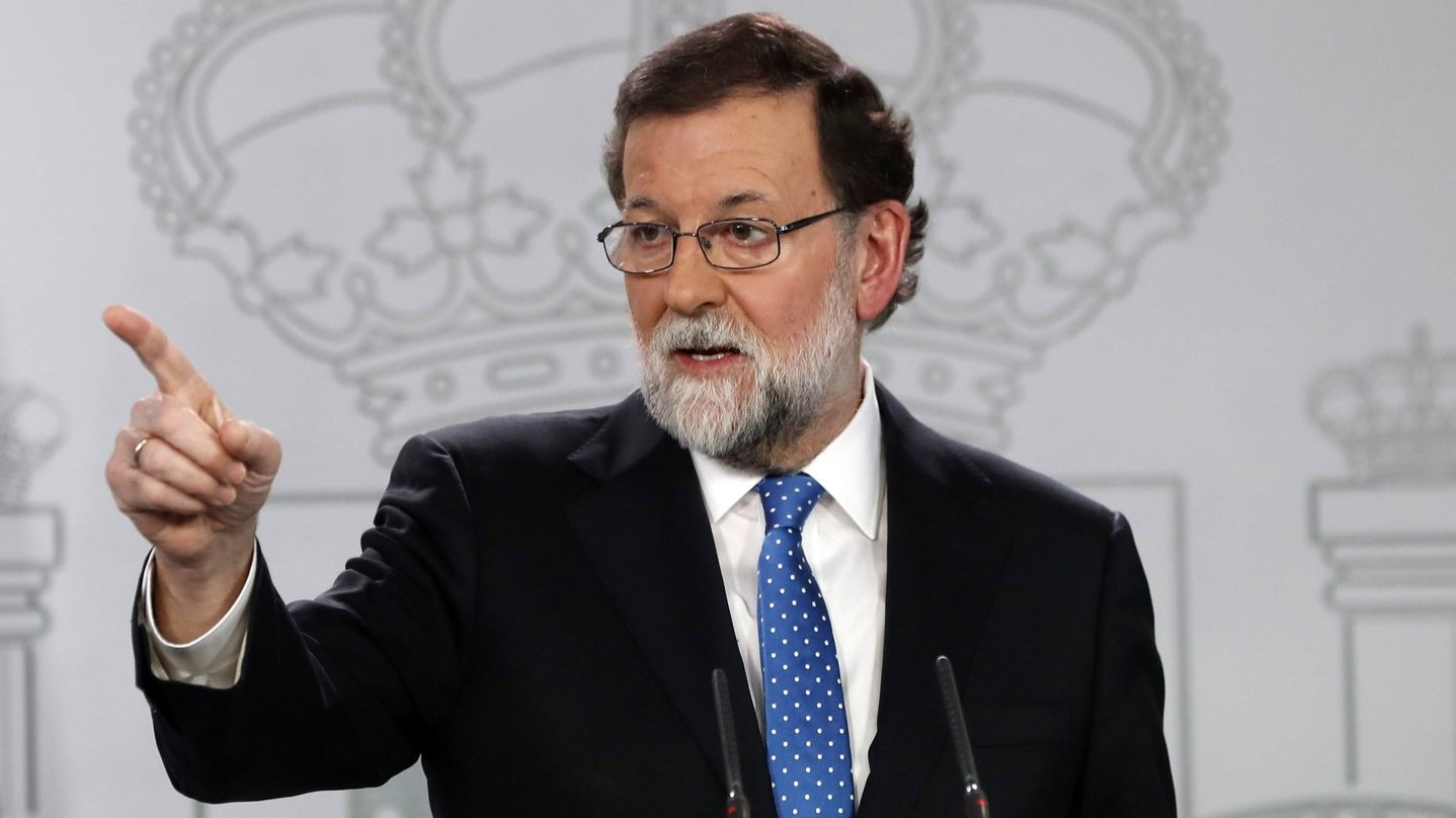Mariano Rajoy spanyol miniszterelnök sajtótájékoztatót tart Madridban 2017. december 22-én, a katalán parlamenti választások másnapján (Fotó: MTI/EPA/Javier Lizon)