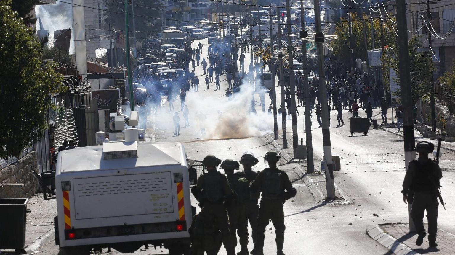 Megöltek két palesztin tüntetőt izraeli katonák