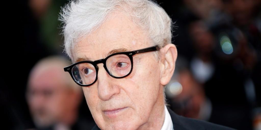 Woody Allen nevelt lánya nem hagyja futni a rendezőt