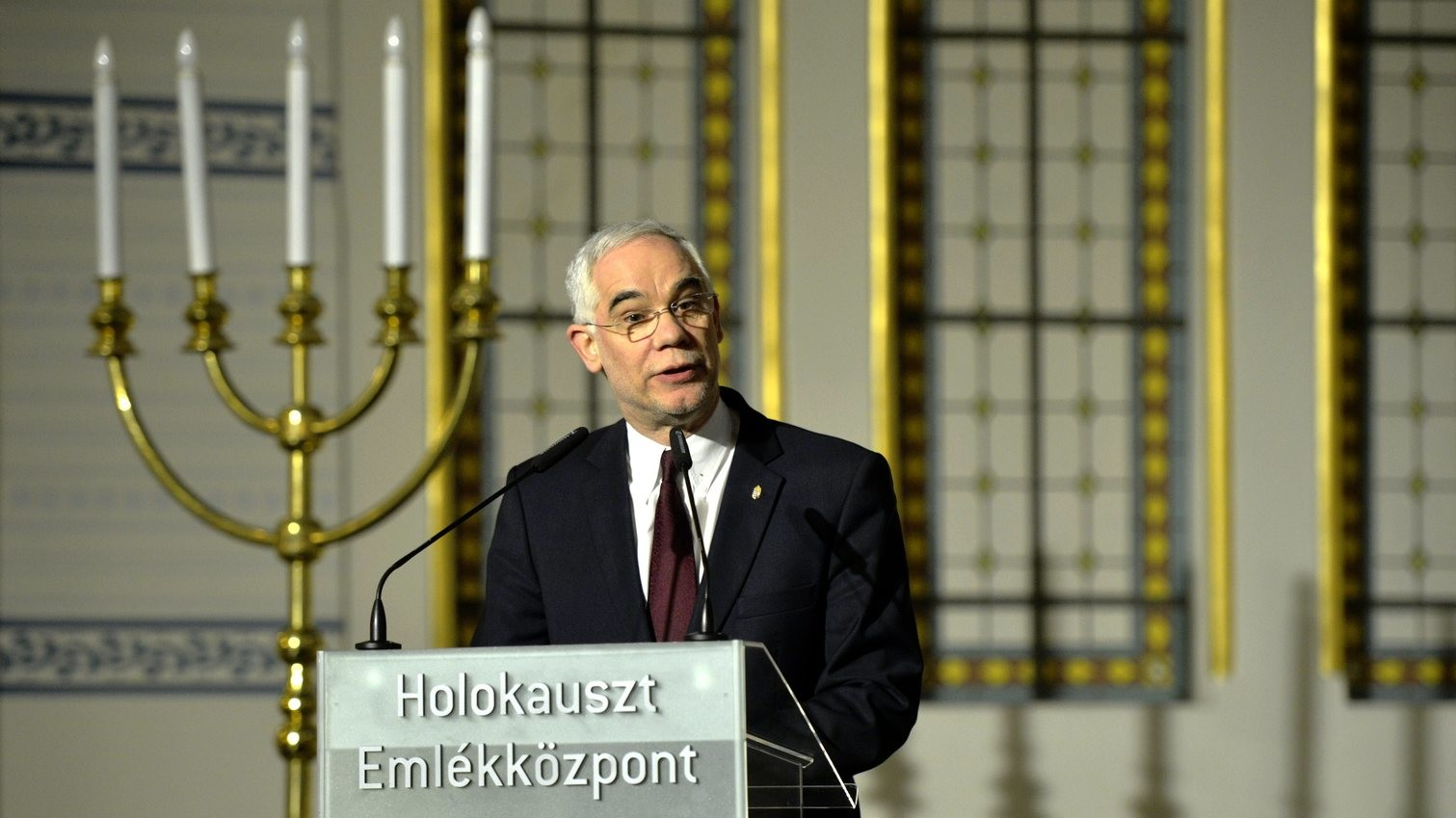 Balog Zoltán, az emberi erőforrások minisztere beszédet mond a Raoul Wallenberg-díjak ünnepélyes átadásán a Páva utcai Holokauszt Emlékközpontban 2013. január 17-én (MTI Fotó: Beliczay László)