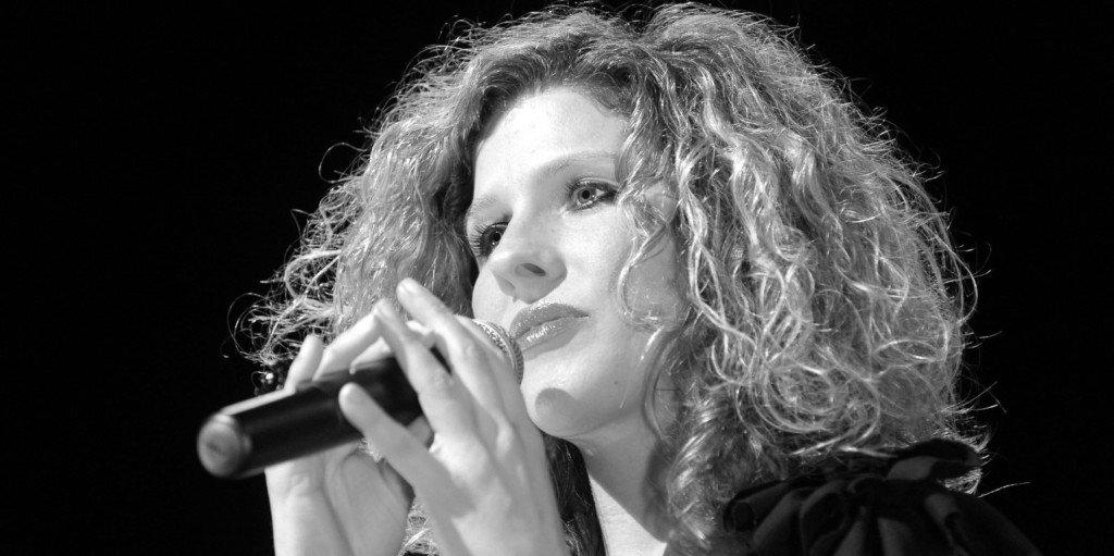 Ma két éve, hogy elment a csodálatos hangú énekesnő, Fábián Juli