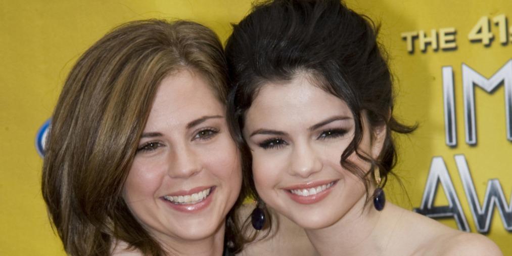 Selena Gomez édesanyja megtörte a csendet