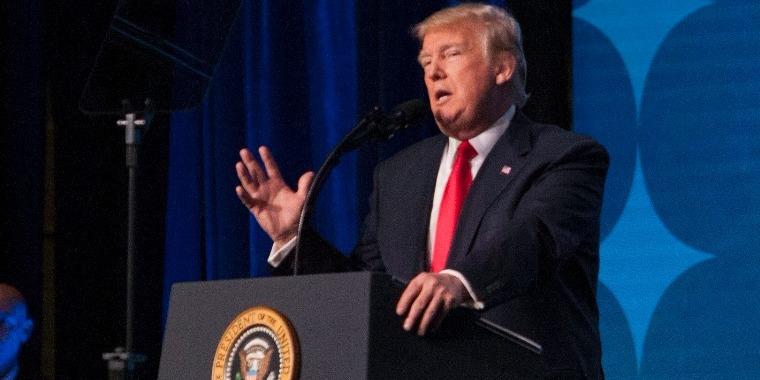 Donald Trump Hamis Hírek Díjat adott sok médiumnak