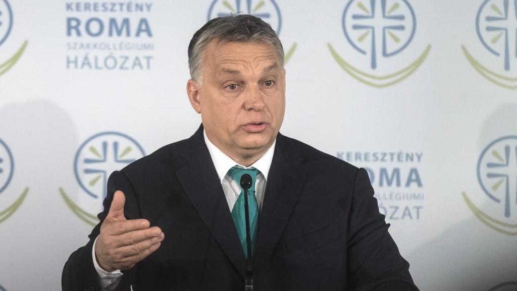 Orbán: Erőforrást látunk a roma közösségben