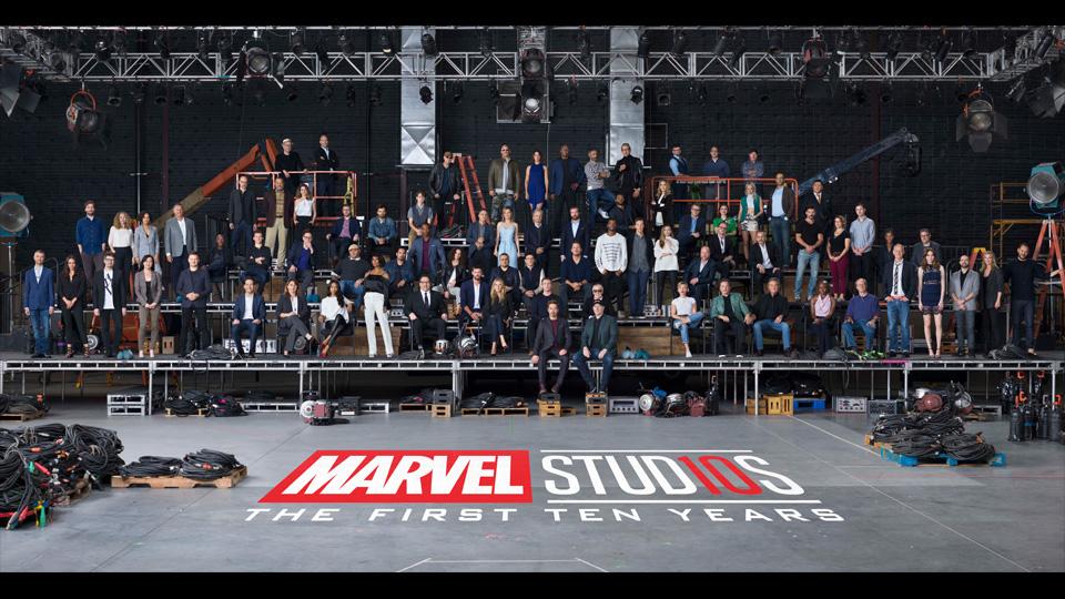 https://www.hirado.hu/wp-content/uploads/sites/7/2018/02/A-Marvel-szuperh%C5%91s%C3%B6k-egy-fot%C3%B3n.jpg