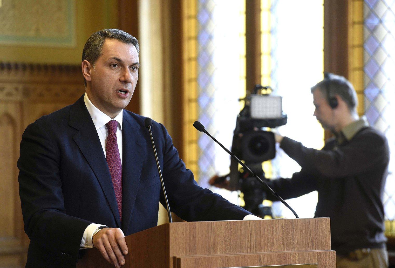 Lázár János, a Miniszterelnökséget vezető miniszter szokásos heti sajtótájékoztatóját tartja az Országházban 2018. február 15-én. MTI Fotó: Bruzák Noémi