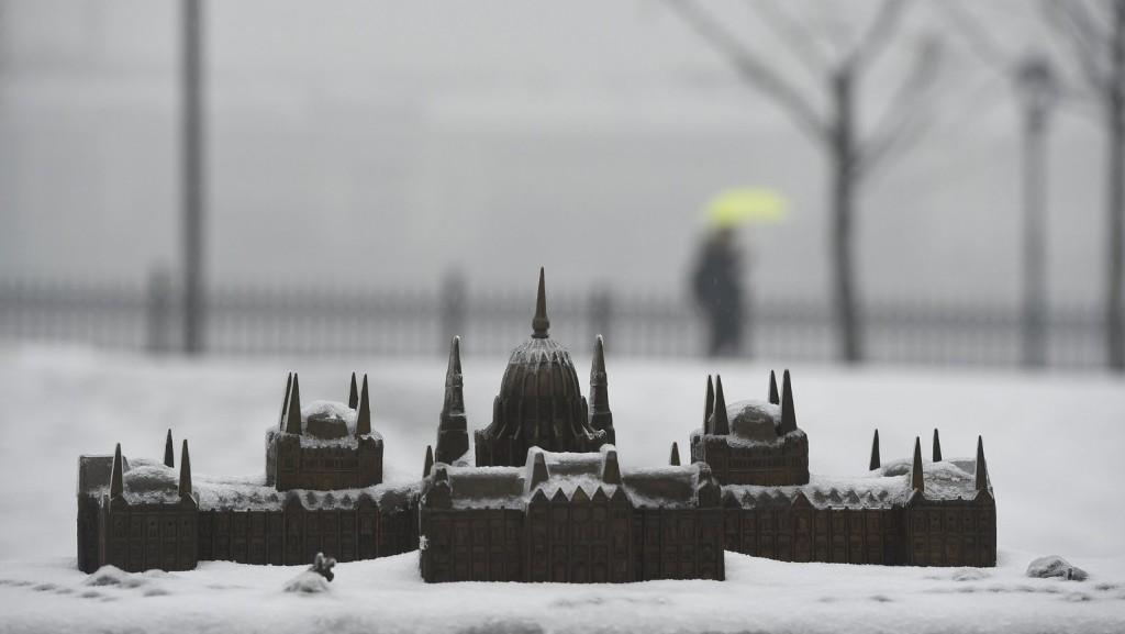 Enyhe havazás, havas eső várható