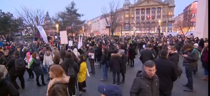 Az oktatásért demonstrálnak a fővárosban