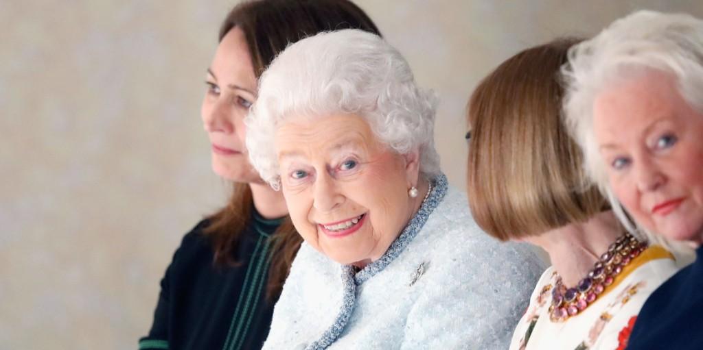 Erzsébet királynő ellopta a show-t a londoni divathéten