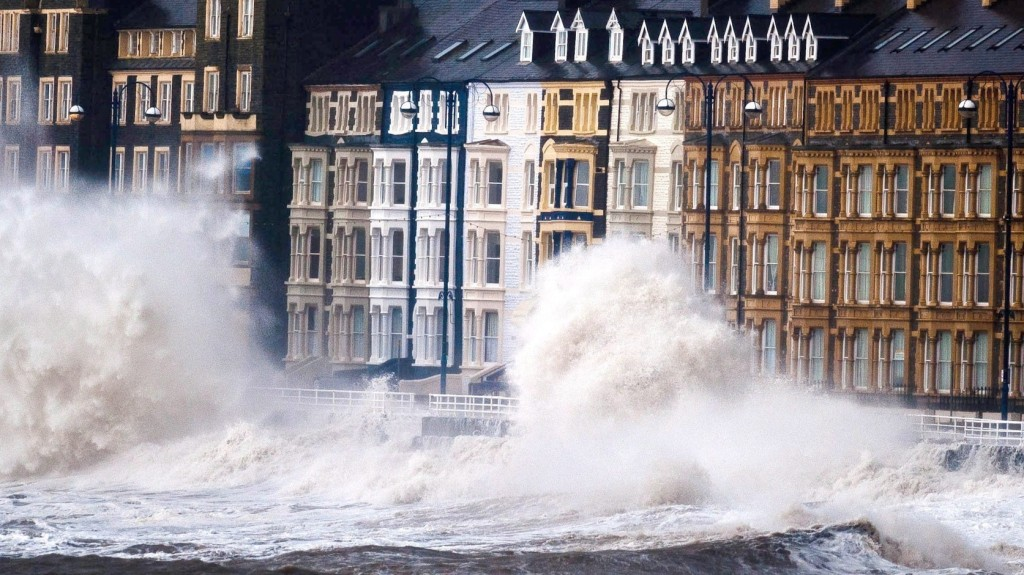 Nehéz küzdelem vár Európa tengerparti városaira