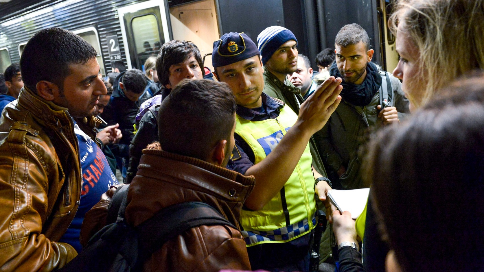 Egyre többen döntenek a költözés mellett a migránsok miatt