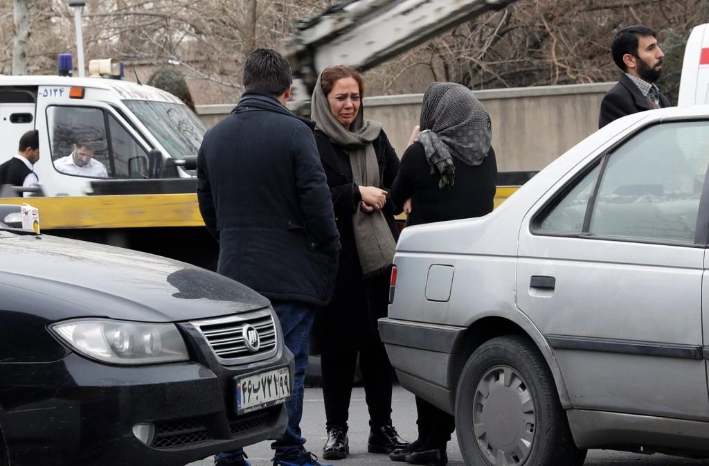 Valóban megtalálták Iránban a vasárnap lezuhant repülőgép roncsát