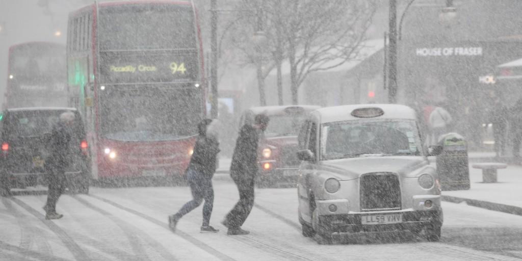 A rendkívüli időjárás külföldön is gondot okoz