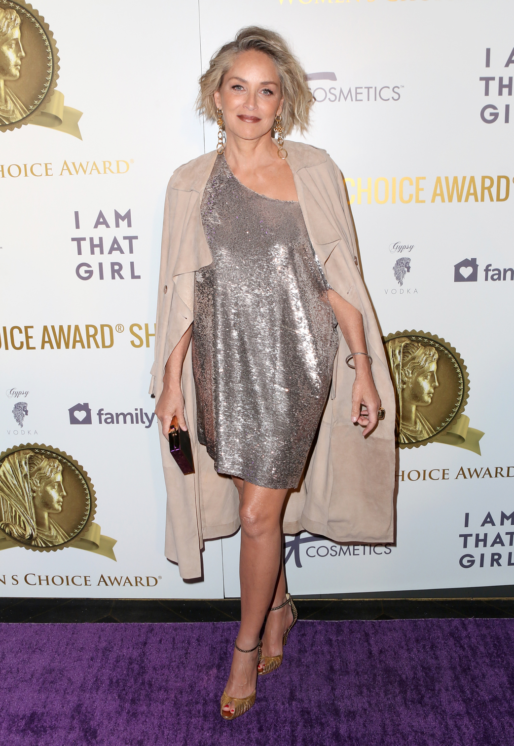 Hatvanévesen is észbontó a szülinapos Sharon Stone