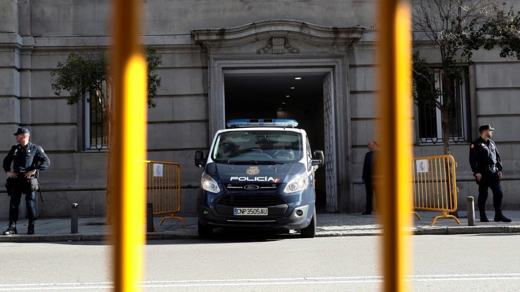 Bombariadókkal okozott pánikot egy férfi Madridban