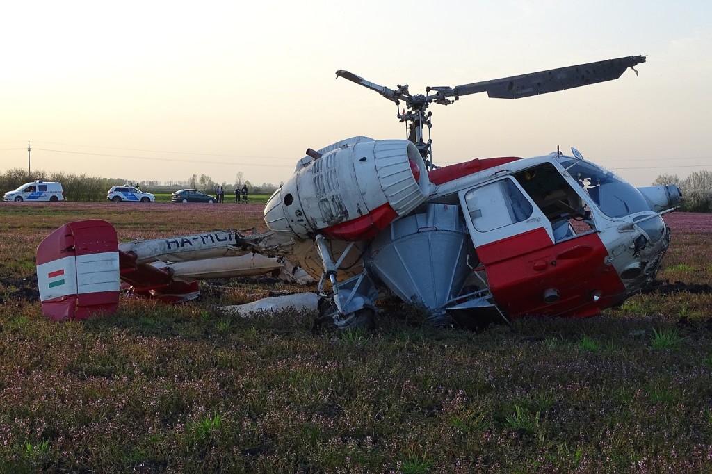 Lezuhant egy permetező helikopter az erdélyi Torda közelében
