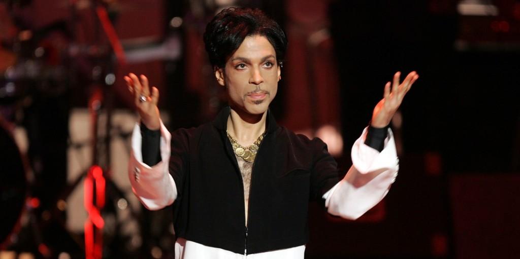 Senkit sem vádolnak meg Prince halála ügyében