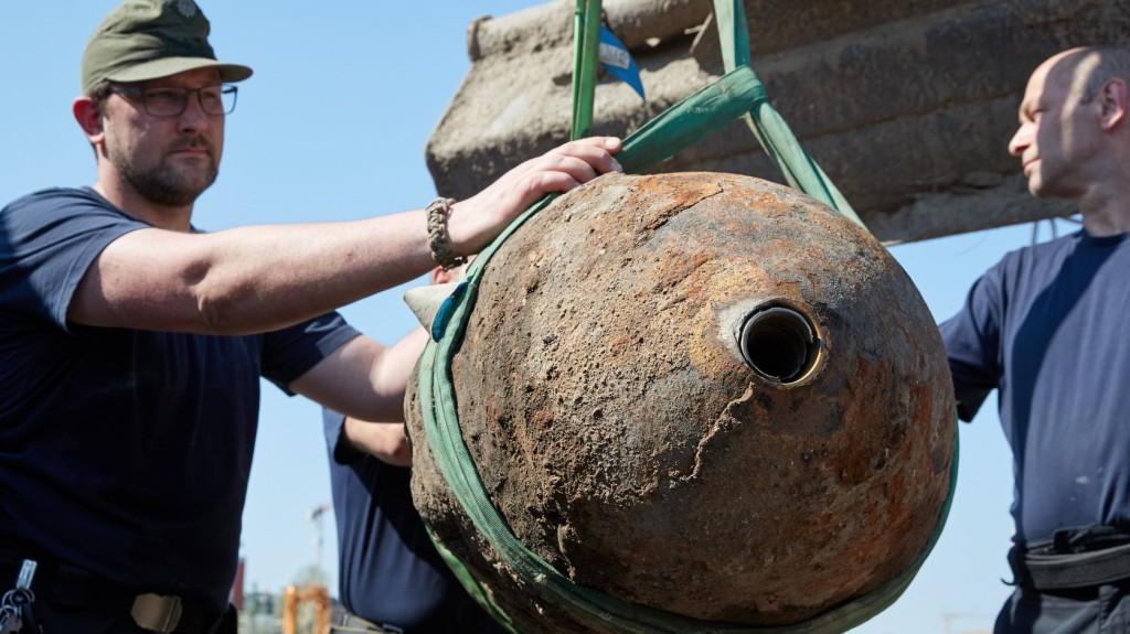 Bombák kiemelése miatt lezárják szombaton Budafok egy részét