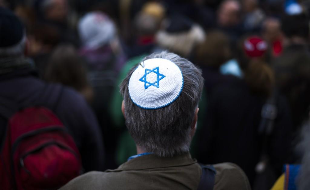 Megdöbbent az izraeli államfő azon, hogy nem javasolják a kipa viselését Németországban