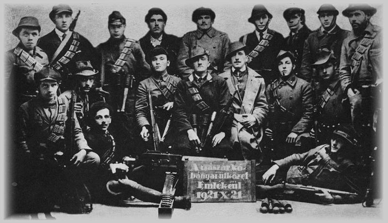 Kilencvenkilenc éve alakult a Rongyos Gárda