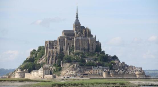 Hajtóvadászat indult egy rendőröket fenyegető francia férfi ellen