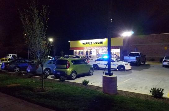 Fegyveres támadás egy tennessee-i étteremben, hárman meghaltak