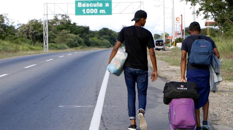 Venezuelai menekültek Kolumbiában. MTI/EPA Fotó
