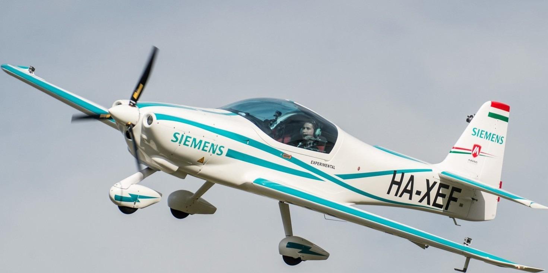 Magnus Aircraft - eFusion- elektromos hajtású repülőgép (Fotó: MTI)
