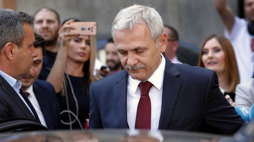 Letöltendőre börtönre ítélték a román kormánypárt elnökét